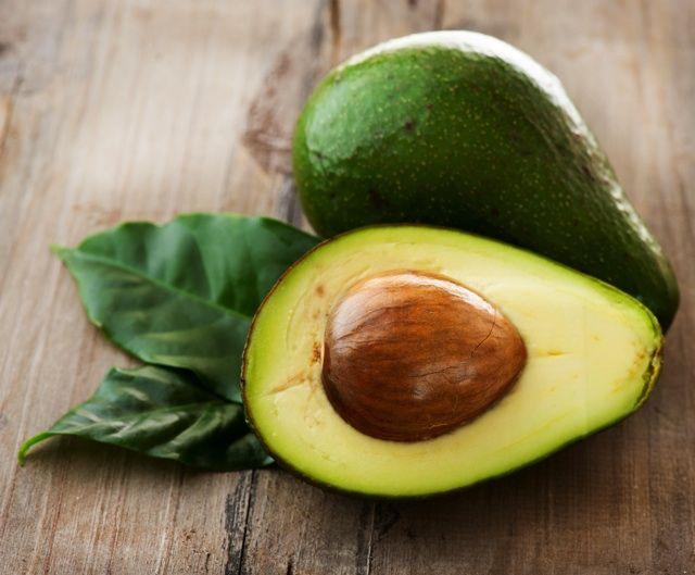 食べるだけじゃない、すぐれた美肌効果!自然素材アボカドを使ったスキンケア