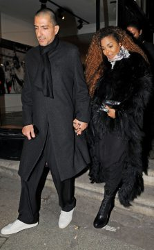 rs_634x1024-160211112950-634-janet-jackson-first-time-seen-since-surgery-021116