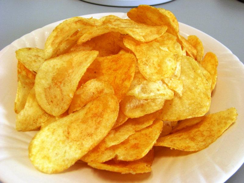 太るだけじゃないポテトチップスの健康への悪影響。代わりにこんなおやつはいかが?