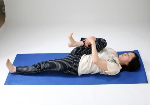 産後太りの原因は骨盤のゆがみかも?ヨガが骨盤矯正に効果あり!